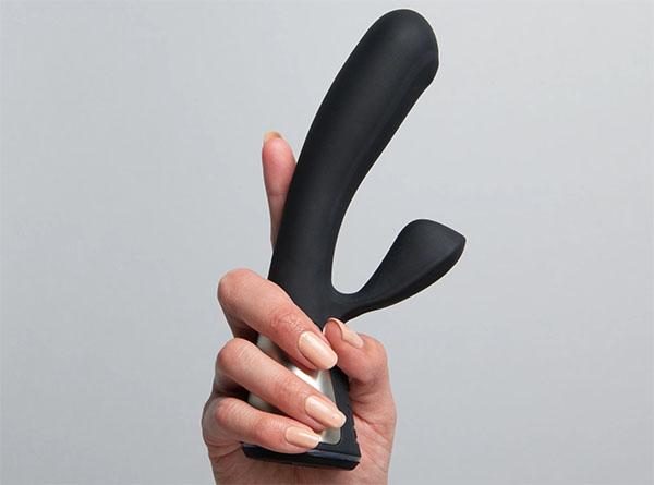 fuse rabbit vibrator by kiiroo