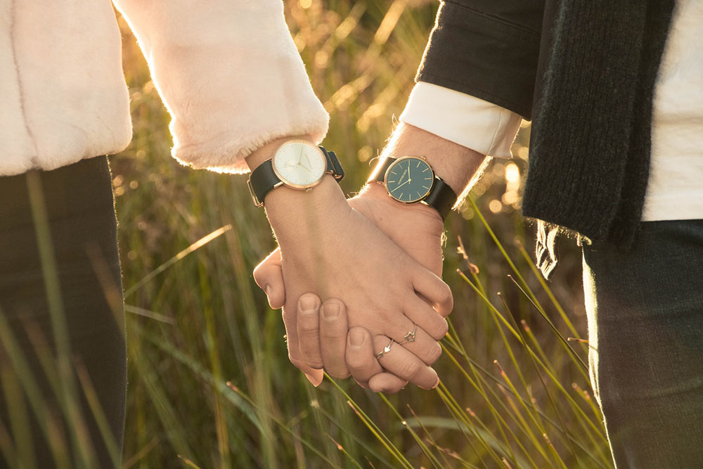 Long Distance Watches: 9 Modern Dual Time & Smart Watches For LDR Couples
