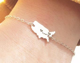 usa map with hears bracelet