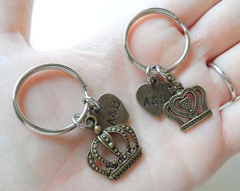 king and queen crown keychains