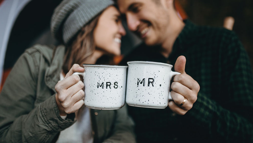 Long Distance Mugs: Our Top 12 LDR Themed Options For Coffee Loving Couples
