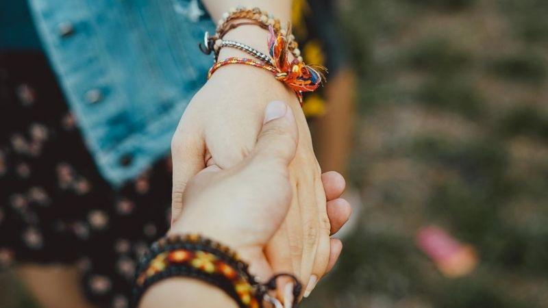 21 Long Distance Friendship Bracelets For True BFFs