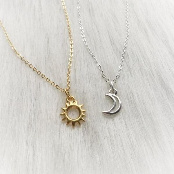 11 Long Distance Friendship Necklaces Your Bestie Will Adore